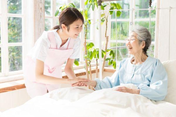Thực tập sinh kaigo cần quan tâm sức khoẻ người cao tuổi